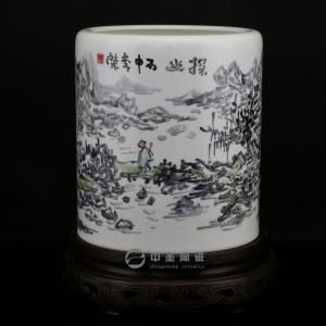 画家李杰陶瓷艺术作品《探幽》   中圣青玉瓷笔筒